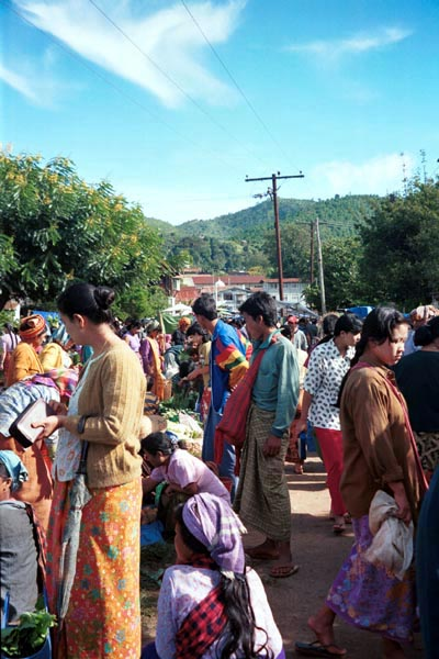 78K Jpeg Rotating five day market in Kalaw, southwestern Shan State