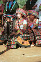 Jpeg 85K Excess of decoration - dancers -Da Shu Jia village, Xin Zhou township, Longlin county, Guangxi province 0010h22.jpg