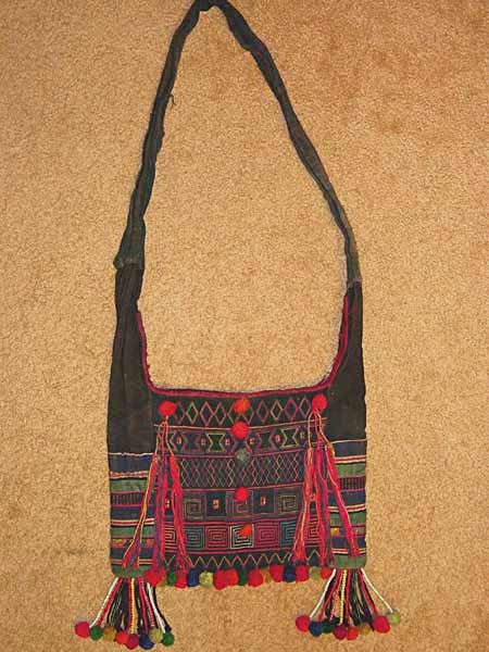 43K Jpeg Hani embroidered and trimmed bag, Menghai county, Yunnan province, southwest China