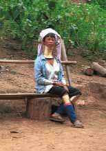 Jpeg 81K Padaung woman sitting on a bench 8812j06B