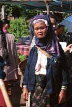 Jpeg 50K Padaung woman at Kalaw market 9809i11