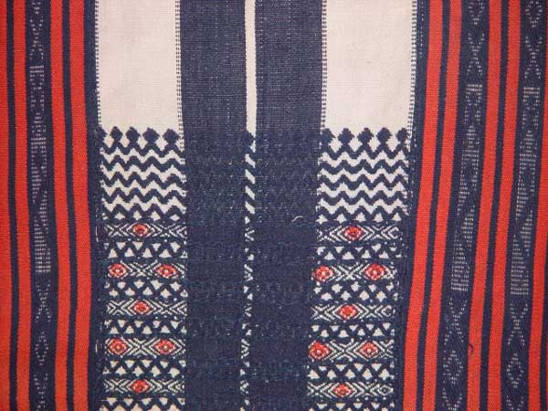 Jpeg 55K Detail of a Bontoc woven textile from the highlands of Northern Luzon, Philippines