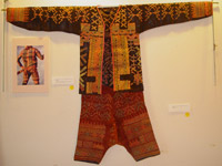 to 69K Jpg 20 - Bla'an man's abaka, cotton and embroidered jacket and trousers, Mindanao, 19th century. Jacket 145 cm x 58 cm x 41 cm, Trousers 43 cm x 53 cm