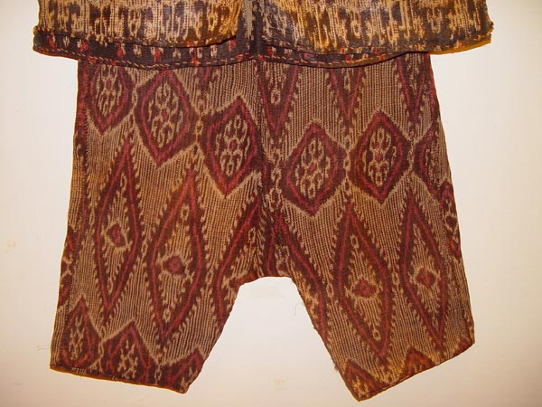 66K Jpg 22 - Detail 3 of Bla'an (possibly T'boli) man's abaka and ikat jacket and trousers, Mindanao, early 20th century. Jacket 152 cm x 56 cm x 52 cm. Trousers 56 cm x 44 cm