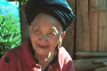 to Jpeg 22K An old Yao lady - she said that she was in her eighties - in a village in the hills around Chiang Rai 8812q17.jpg