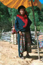 to Jpeg 43K A Yao woman in a village in the hills around Chiang Rai 8812q30.jpg
