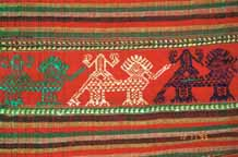 to Jpeg 77K Detail of Thai minority weaving in my collection purchased from a little gallery in Hanoi old town 9511A36T